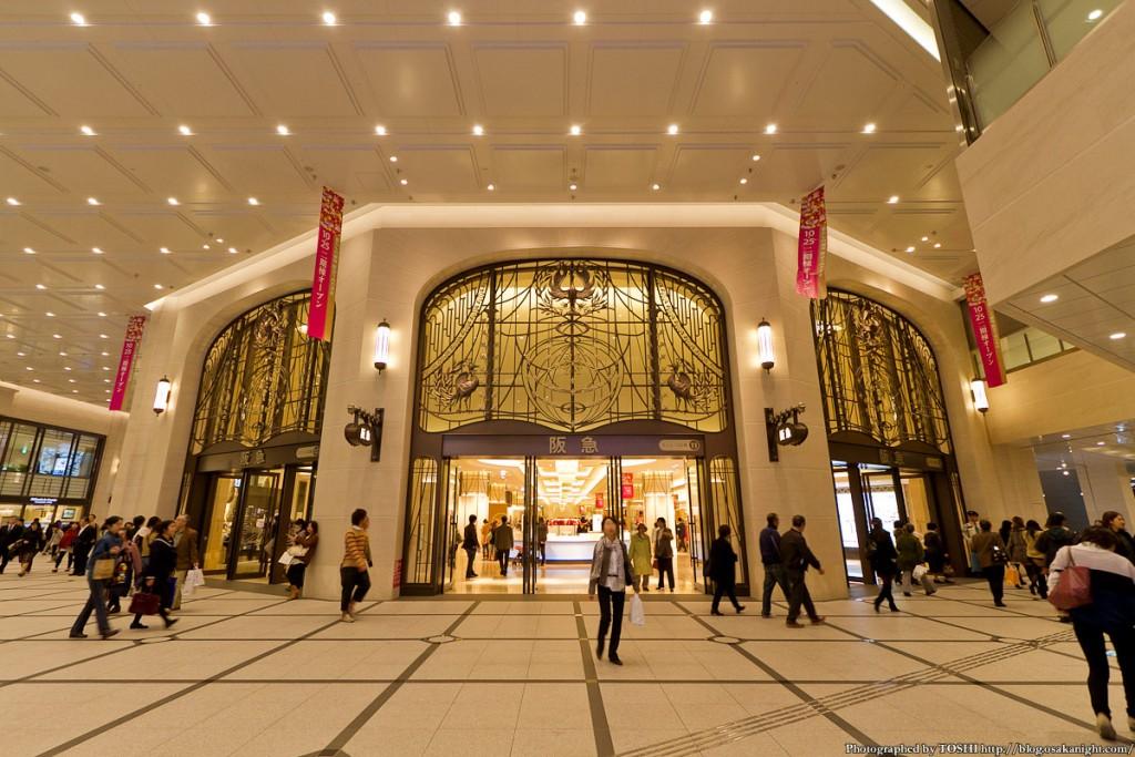 umeda_hankyu_walkway201211_05