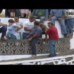 【vine日本】 – ポルトガルで最高の面白い動画面白い闘牛祭り面白いクレイジー牛の攻撃の人々#4
