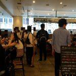 ラップトップノマド、ベビーカー、マルチ商法…長居する客にカフェが下した勇断とは?